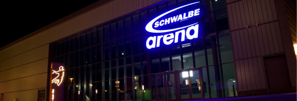 Die Schwalbe Arena bei Nacht